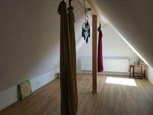 Neuer Raum mit Schwebetücher